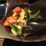 58151117 - 黒壱サラダ   食べかけ・・(^◇^;)