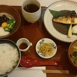 58151226 - YAYOI ネバトロ野菜とサバの塩焼定食