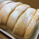 パティスリーモンシェール ファクトリーショップ - 料理写真:ハートをつなぐロールケーキ。変わらない美味しさ!