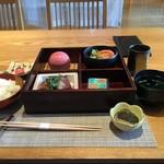 京都牛懐石 稲吉 - 昼のお重
