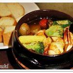 58157612 - ジャンボシュリンプとお野菜のスパイシーガーリック煮
