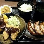 肉餃子専門店 THE GYO - THE 餃子味噌かつランチ 680円 肉汁焼き餃子 +240円