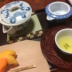 九重園 - 煎茶セット 500円。極上の香りを楽しむことができる煎茶と季節の上生菓子がセットになって一品です。