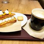ミトン - 料理写真:ケーキセット540円