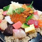 カトーズ ダイニングアンドバー - KATO'S DINING & BAR @赤坂見附 江戸 Premium の海鮮ばらしらし寿司