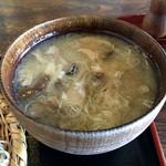 野の花 - きのこ汁(300円)
