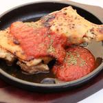 ルージュトマト - 骨付き鶏のオーブン焼き580円(税別)