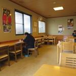 玉喜亭 - おひとり様用カウンター席もあります。