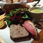 ポワンエリーニュ - 自家製パテと鴨のパストラミスープのセット