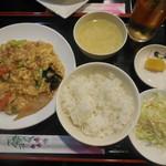 食香楼 - 料理写真:豚肉とキクラゲ炒め ¥500-