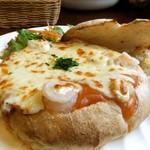Paty Cafe - プリプリ海老のトマトグラパン♡
