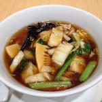 虎包 - 八宝あんかけ麺(950円)