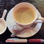 HUNDRED - 2016.10.30。ホットコーヒー。