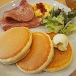Cafe nanala - お食事パンケーキ                             ベーコンエッグ