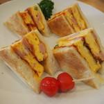 Cafe nanala - オムレツサンド