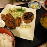 5818967 - カキフライ&コロッケ定食