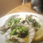 バルデビノス - 牡蠣の蒸し焼き