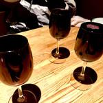 58188410 - 「なみなみワイン」これで1杯500円!