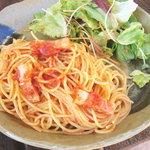 ラ ミディ - パスタランチ トマトとベーコンのパスタ