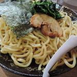 魂心家 - 旨辛つけ麺(大盛り)