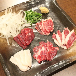 熊本から直送される新鮮な馬肉!