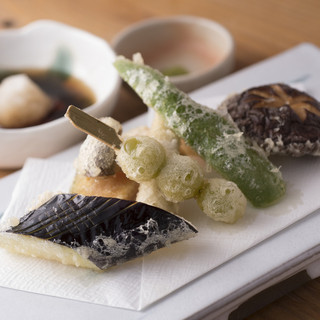 お寿司と天ぷらがメインにこだわっております!