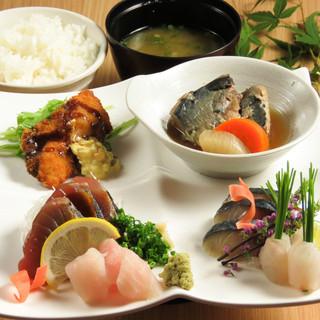 お昼からリーズナブルに美味しい魚を堪能できる!!