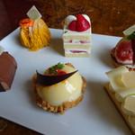 ドリーマーズ・ラウンジ - ケーキの見本   6種類