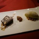 オステリア インクローチ - レアチョコケーキとピスタチオジェラート