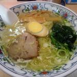 華風伝 - 料理写真:「ラーメン(塩)」560円+税也。