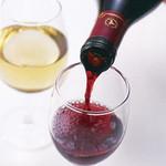 しゃぶしゃぶ すみれ - ハウスワインは、グラス、デキャンタで赤白取り揃えております。
