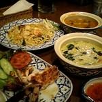 パヤメンライ - タイを彷彿とさせるタイ料理たちv