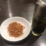 麺屋 明星 - 唐辛子と昆布酢で、味変