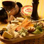 ★贅沢5種のチーズ盛り合わせ