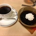 珈琲の家ワンビー - サイフォンによる抽出:金鯱(勇姿のブレンド)&珈琲屋の手作りコーヒーゼリー 珈琲はそこそこかな苦笑。コーヒーゼリーは絶品☆ 2016/10/30