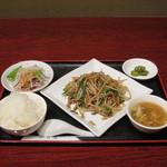 健康中華庵 青蓮 - 豚肉ともやしの野菜炒め定食