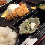 食助 - ランチ(厚切りロースカツ定食)