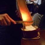 ItalianBar t-tee - ラクレットチーズの調理過程