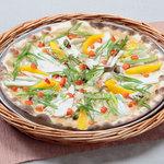 イタリアンレストラン ピッツェリア - 料理写真:松本一本ねぎとチキン 信州味噌のピッツァ