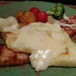 58220497 - スイス産アルプスの濃厚ラクレットチーズ