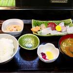 いたさん亭 - 料理写真:刺身ランチ