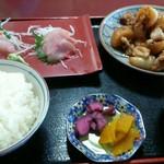 58224598 - 金目鯛刺身と魚と大根のあら煮定食 1,300円