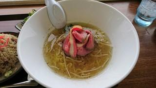 ラーメン悟空 - 国産牛のレアチャーシュー麺