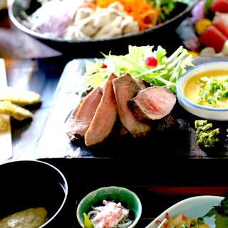 こだわりが詰まった創作和食は酒の肴にもしっかり食事にも。