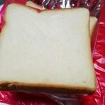 58229507 - 食パン(220円)です。2016年9月