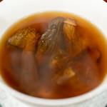 58231985 - 2016.10 13種の乾燥キノコ アガリスクとモリーユタケとトリュフ チョウザメ頭骨のスープ