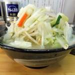 タンメンしゃきしゃき - タンメン(大盛)800 円、野菜大盛(無料)、ライス(11:00-15:00無料)