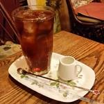 トネリコ カフェ - 「スパークリングアイス珈琲 (500円)」、すーっと抜けていくような珈琲です