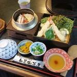 特攻おばさんの店 知覧茶屋 - 料理写真:「茶そばと釜飯 (1630円)」♪ 釜飯は「渡りガニ」です
