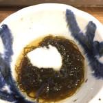 磯丸水産 - 突き出しの細モズク